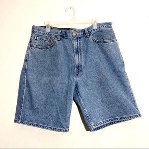Levi's 550 Medium-Light Wash Jean Shorts